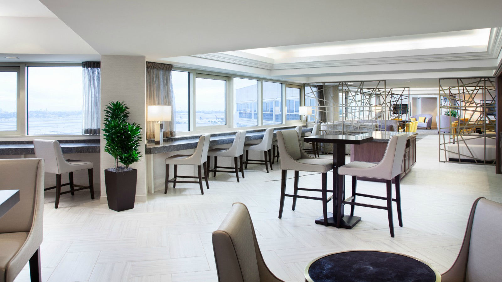 LAX Government Hotel Offer - Sheraton Club Lounge