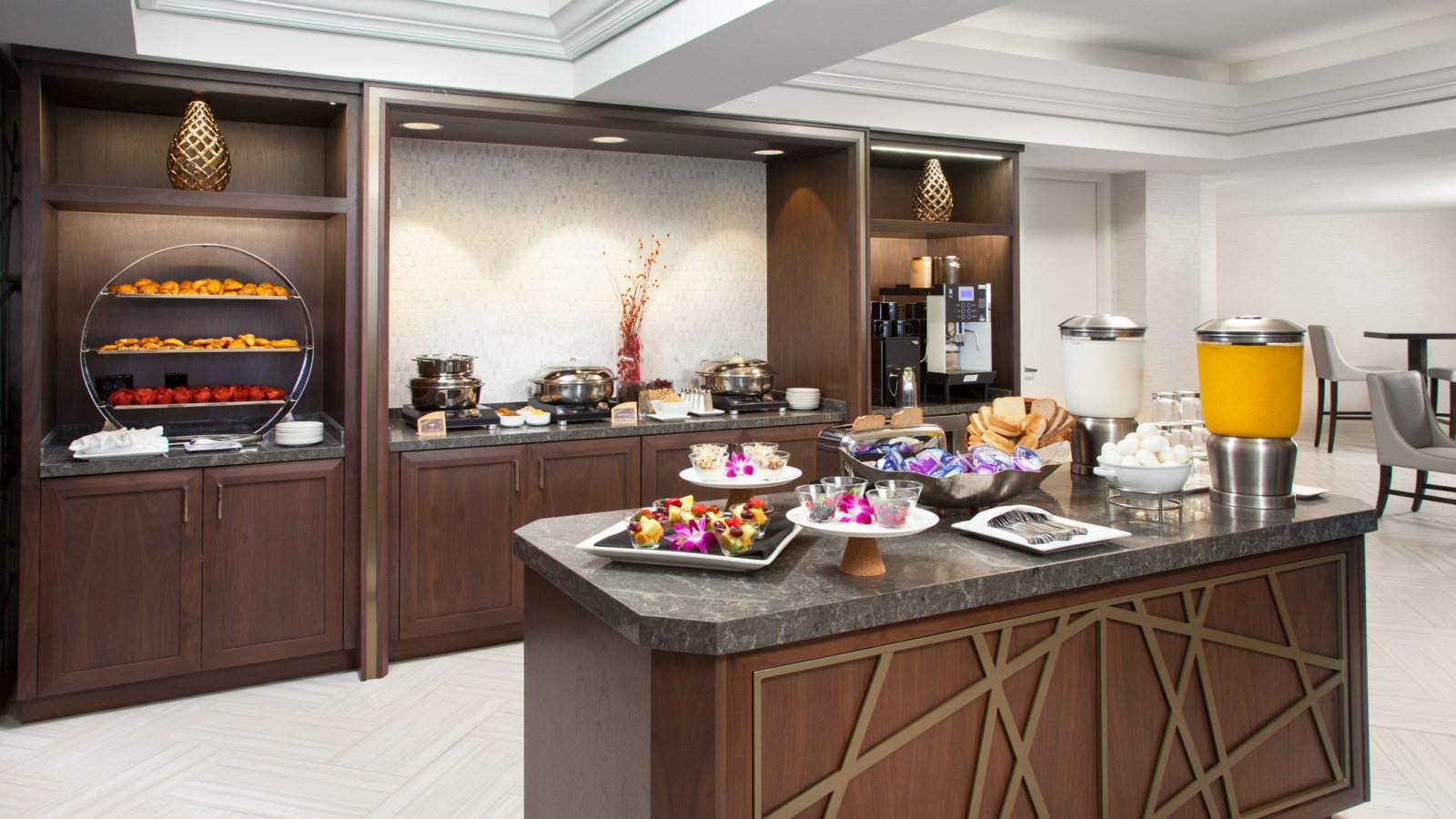 Sheraton Gateway LAX- Club Breakfast