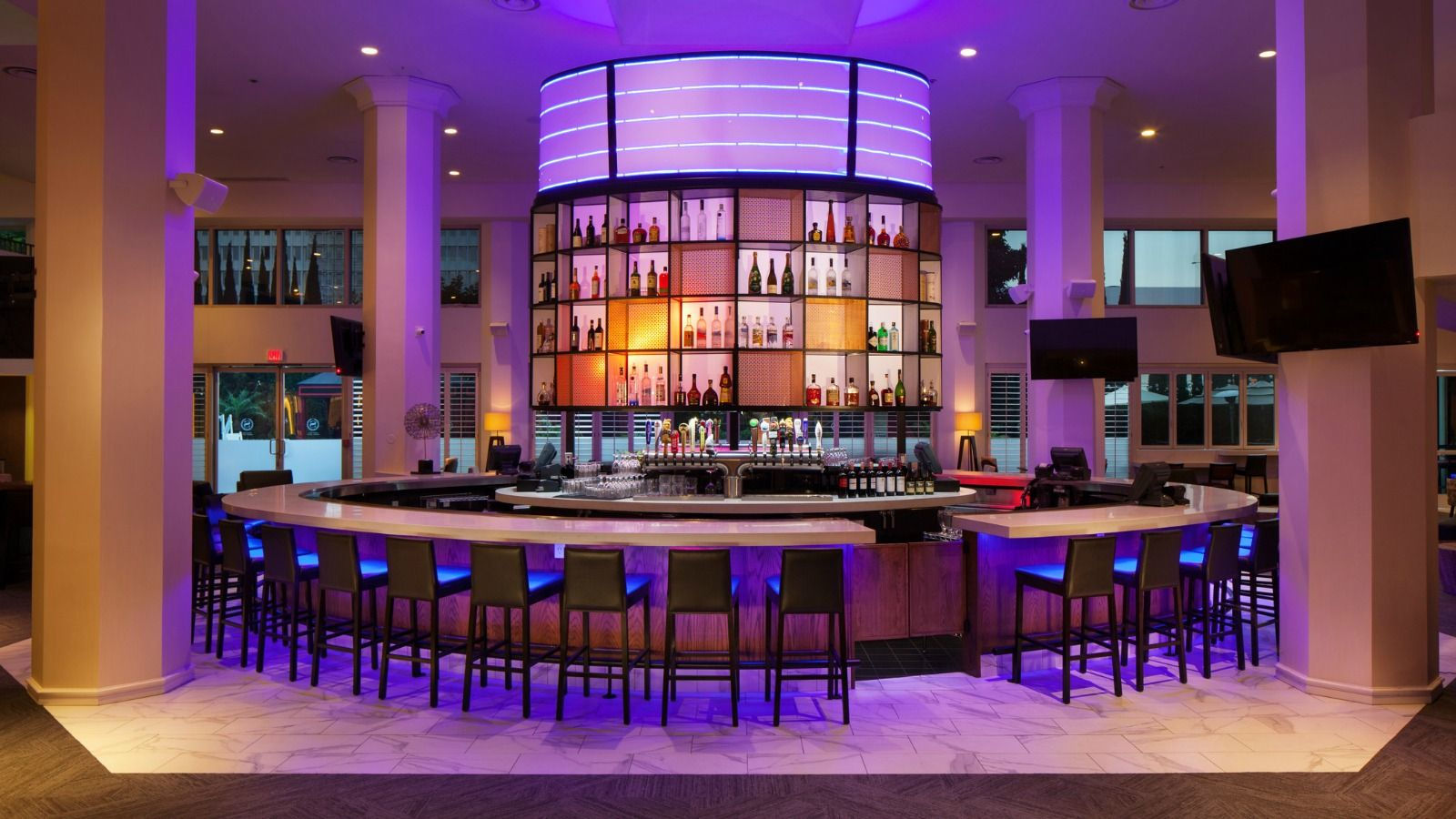 Restaurants In LAX - Bar Seating